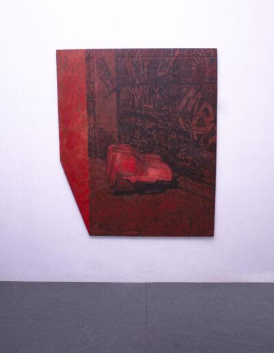 Opera di norberto spina in mostra all'interno di una galleria