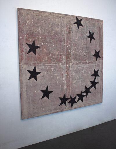 Quadro con stelle esposto in galleria
