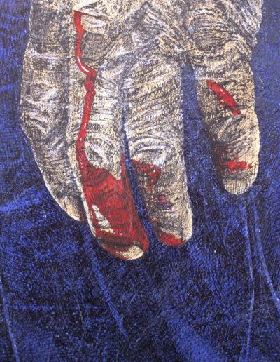 Dettaglio quadro raffigurante una mano anziana sporca di sangue